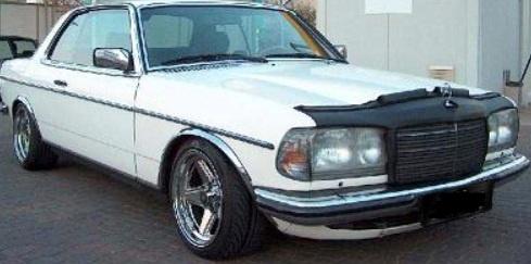 Motorkapsteenslaghoes Mercedes W123 1977-1984 zwart